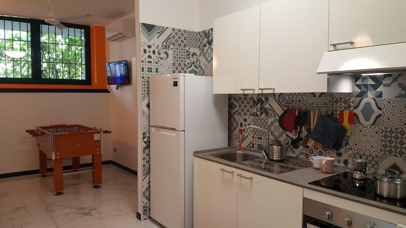Stanza Monza via Sicilia 2 cucina